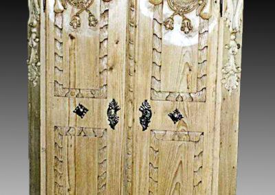sculpteur-sur-bois-armoir